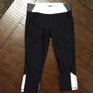 Xersion Capri leggings